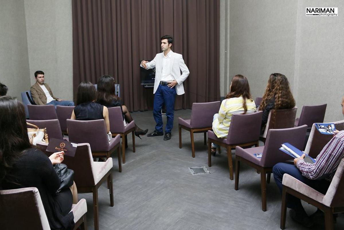 Член Королевского фотографического общества Великобритании открыл в Баку школу (ФОТО)