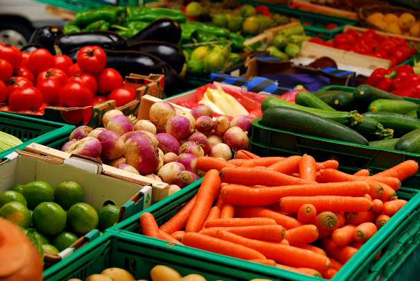 Pomidor, xiyar, kartof, soğan ucuzlaşıb, kələm, çuğundur, sarımsaq bahalaşıb