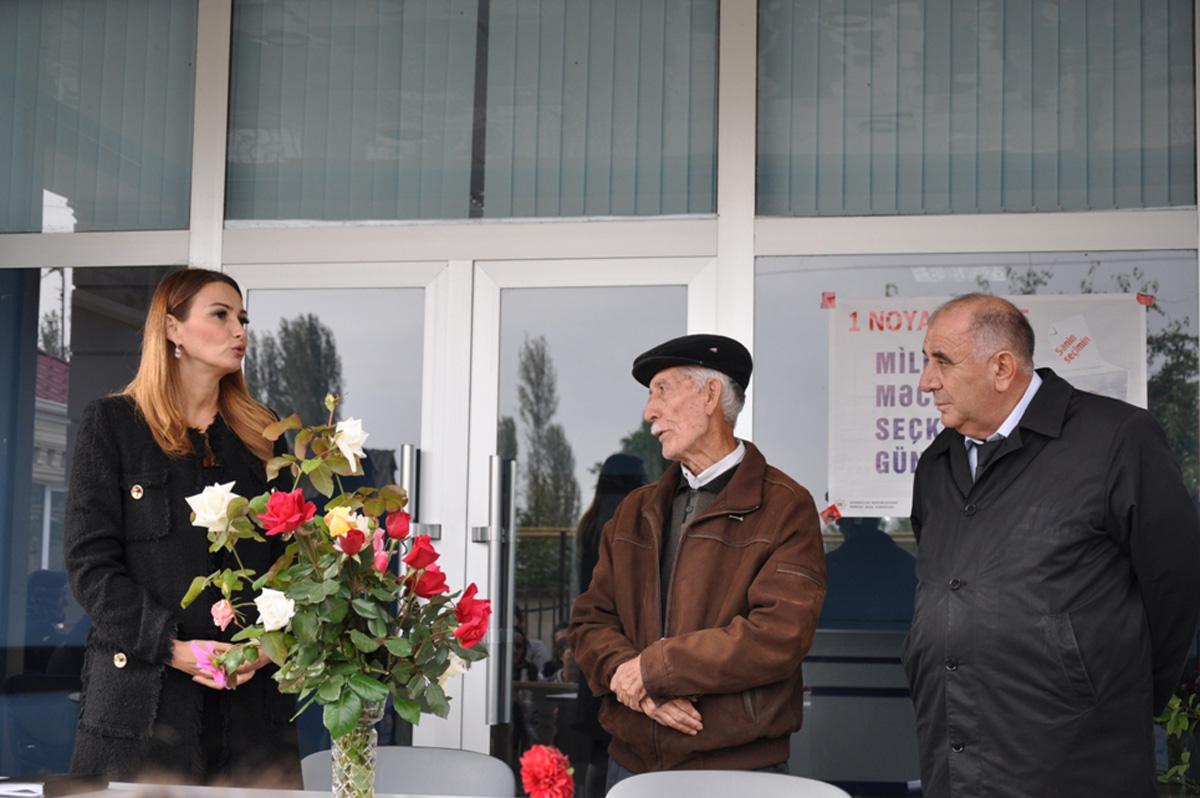 Qənirə Paşayeva Cilovdarlı seçiciləri ilə görüşüb (FOTO)