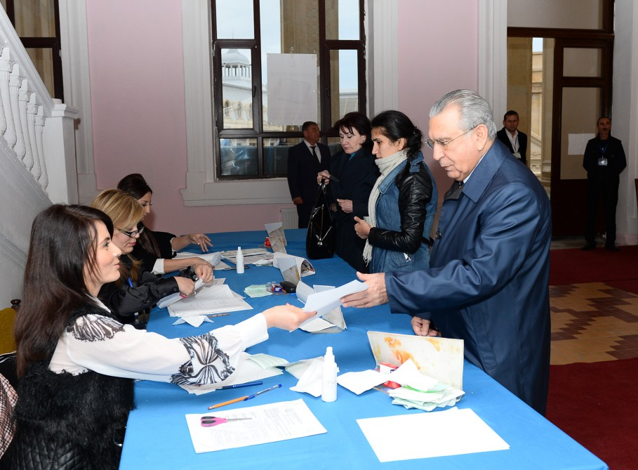 Head of Azerbaijani Presidential Administration votes at parliamentary election