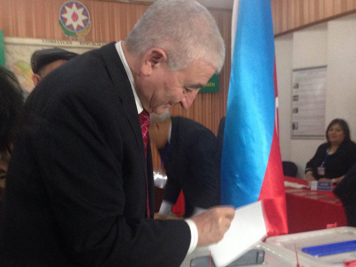 CEC head votes at Azerbaijani parliamentary election
