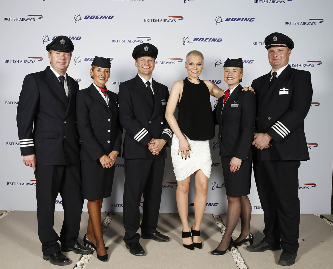A listers margot robbie orlando bloom and jessie j for Korean air cabin crew requirements