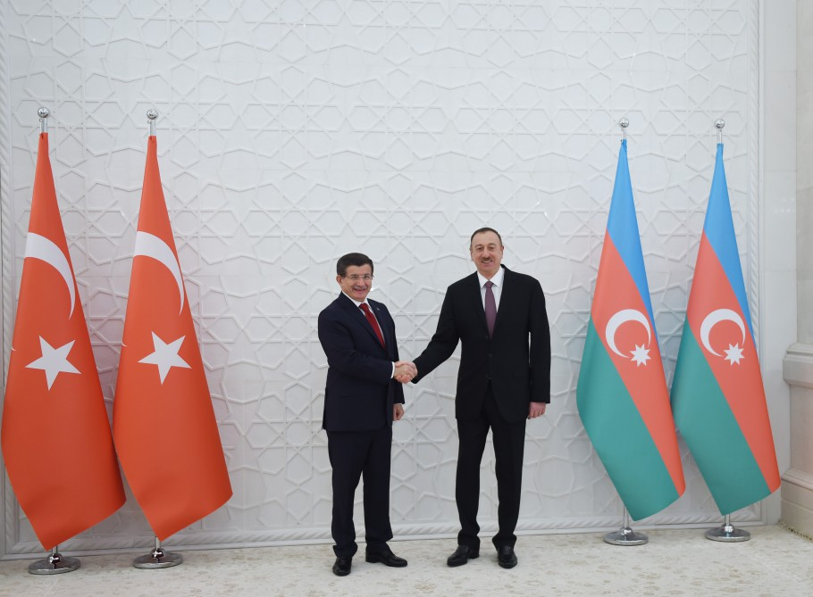 Official welcoming ceremony for Turkish PM held in Baku (PHOTO)