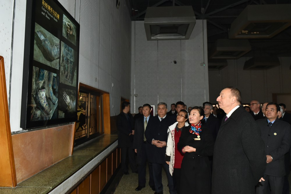 President Ilham Aliyev views Terracotta Army Museum in China