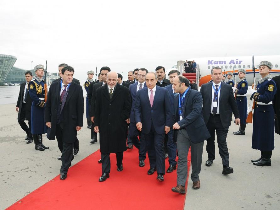 Afganistan Cumhurbaşkanı Azerbaycan'a geldi