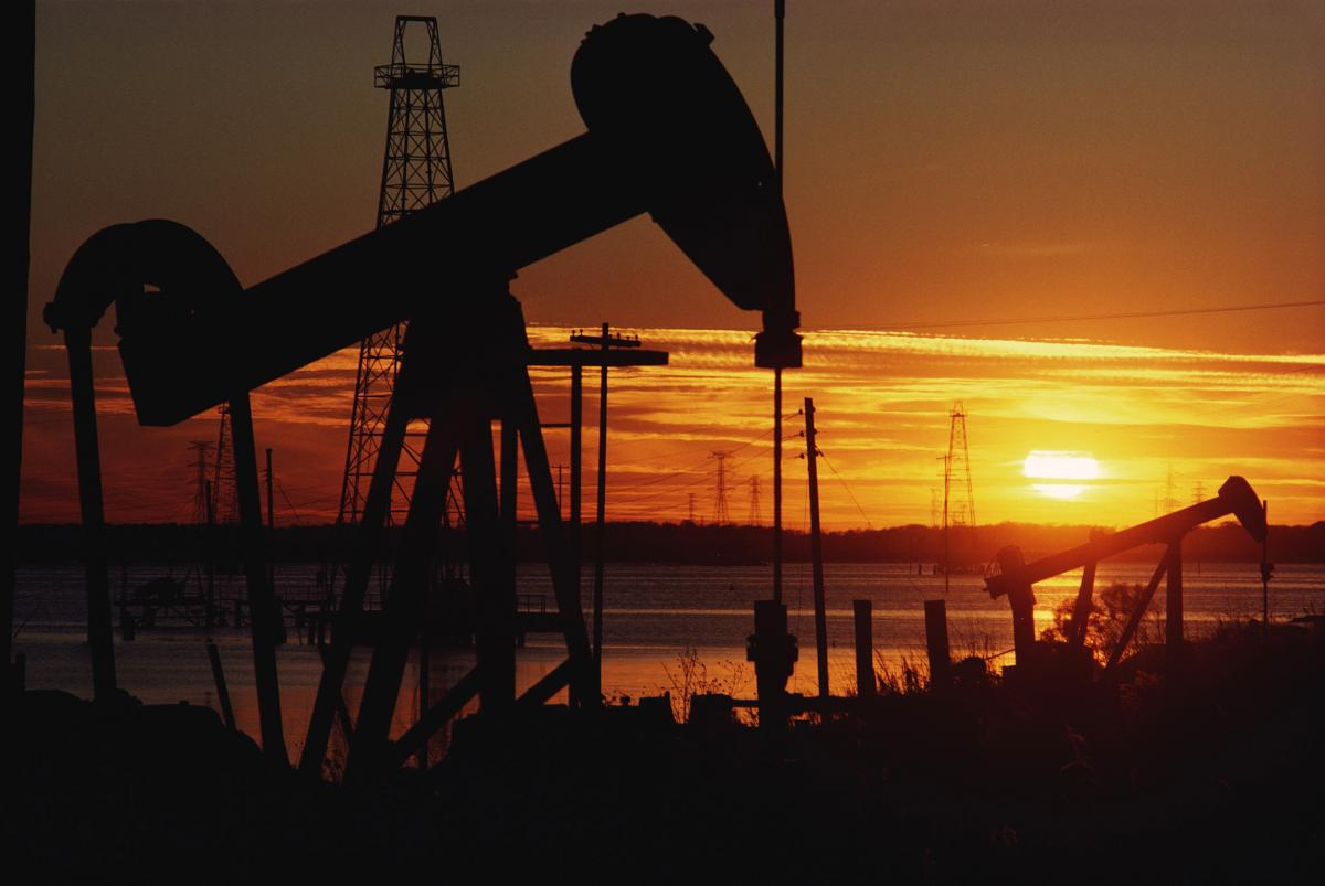 El petróleo sube un 1% por optimismo para un acuerdo comercial entre Estados Unidos y China 5