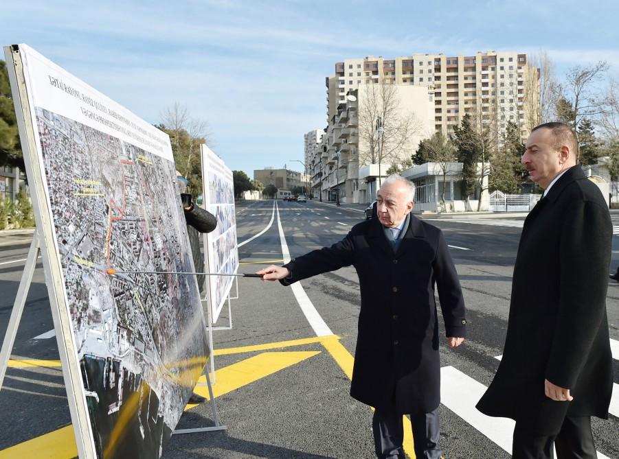 Azerbaijani president reviews several Baku roads after reconstruction (PHOTO)