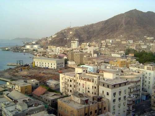 blast hits yemen s aden
