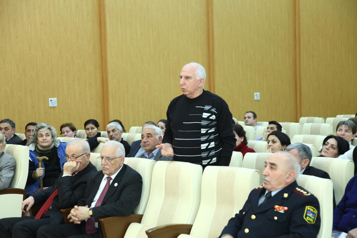 Azay Quliyev seçiciləri ilə növbəti görüşünü keçirib (FOTO)