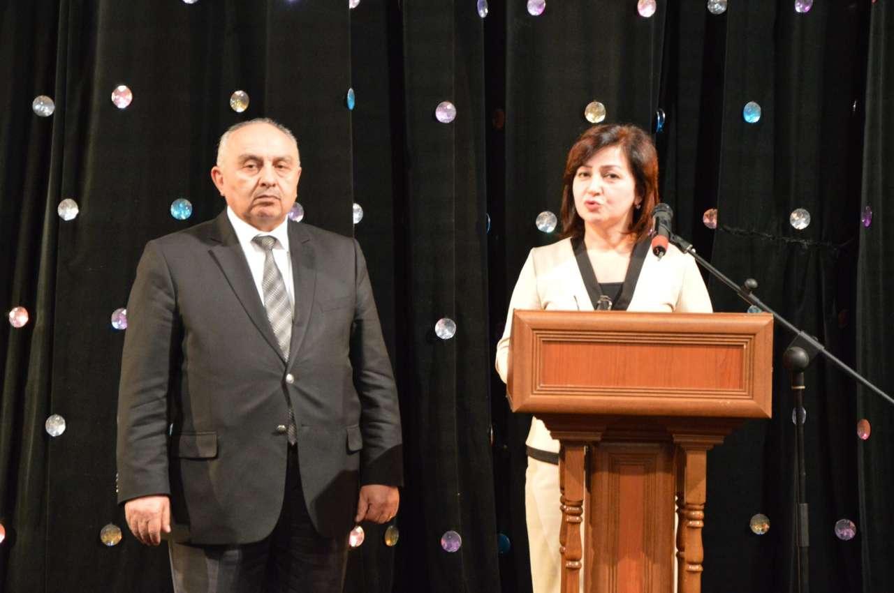 Семья вурдалака: Азербайджанские актеры в борьбе с пороком века (ФОТО)