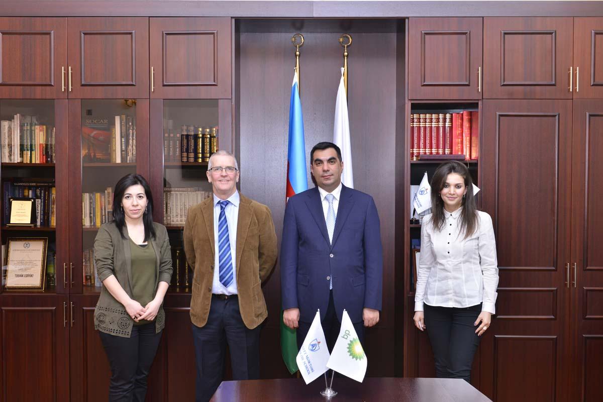 Вице-президент BP представил презентацию в Бакинской Высшей школе нефти