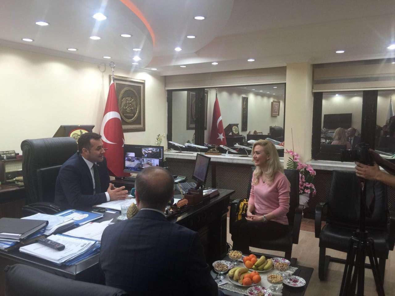 Aparıcı-aktrisa Aysel Nazim Türkiyə səfərindən danışdı (FOTO)