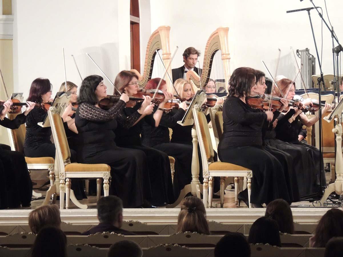 Симфонический оркестр имени Узеира Гаджибейли исполнил произведение Хайяма Мирзазаде (ФОТО)