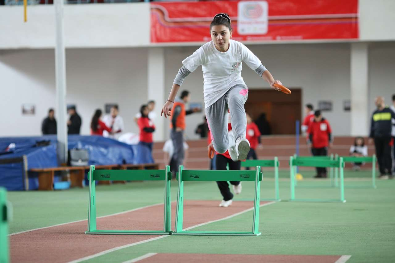 """""""Olympic Moves"""" proqramının təsnifat mərhələsi 2500 məktəblini yüngül atletikaya cəlb edib (FOTO)"""