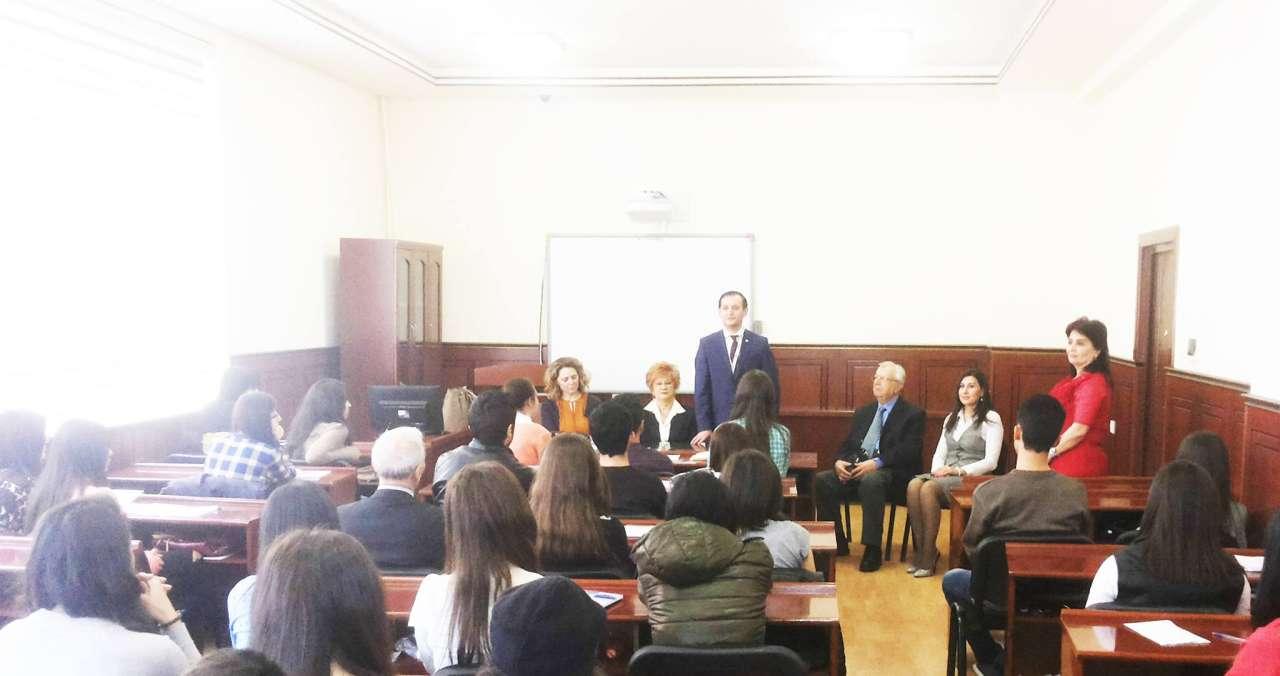Prof. Dr. Aysel Aziz Azerbaycanlı gazeteci adayları ile bir araya geldi
