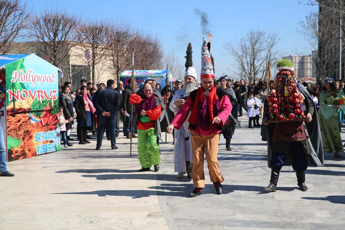 Binəqədi rayonunda Novruz şənliyi keçirilib (FOTO)