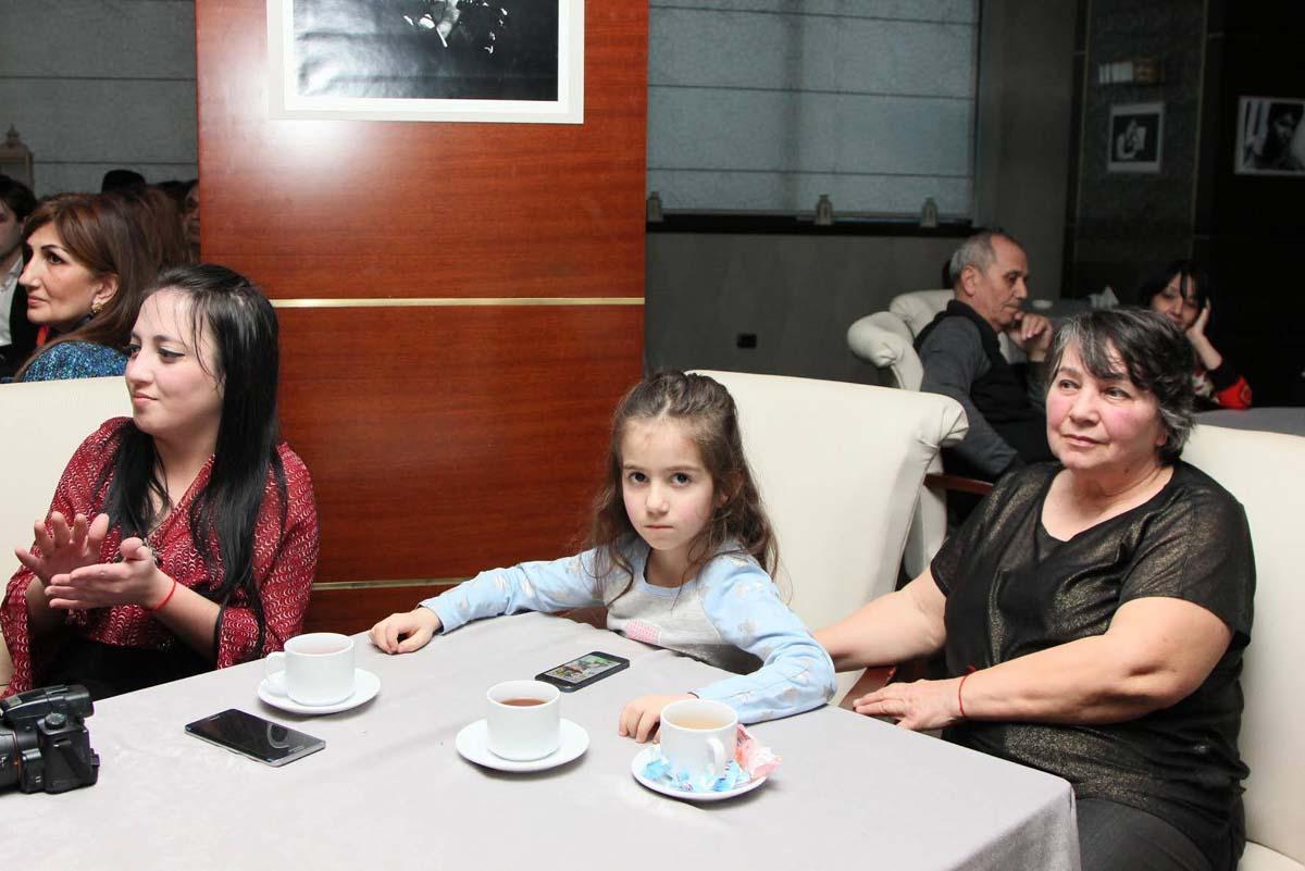 Как 5-летняя азербайджанка смогла завоевать любовь россиян (ФОТО)