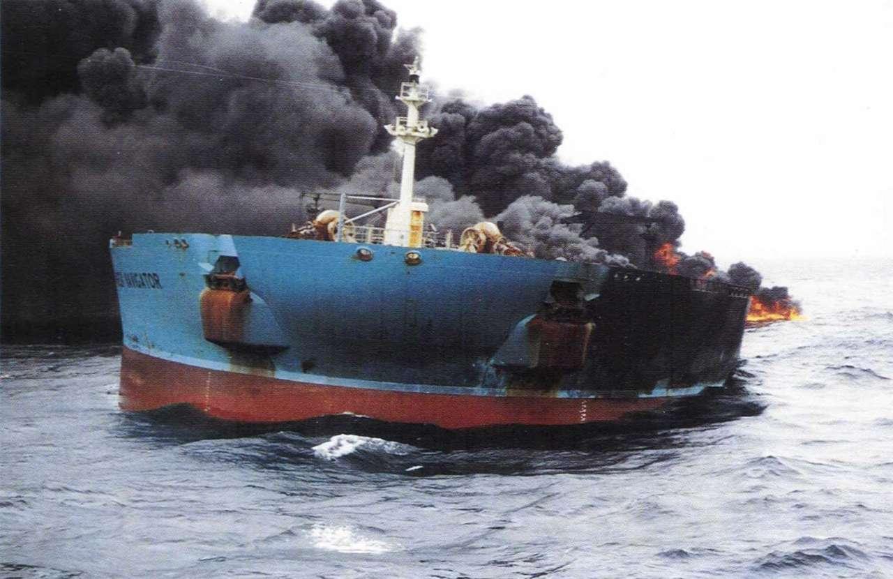 Honkonq gəmisi Tailandda yandı - 50 yaralı