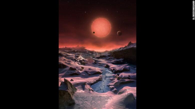 Çəhrayı cırtdan planet aşkar edilib