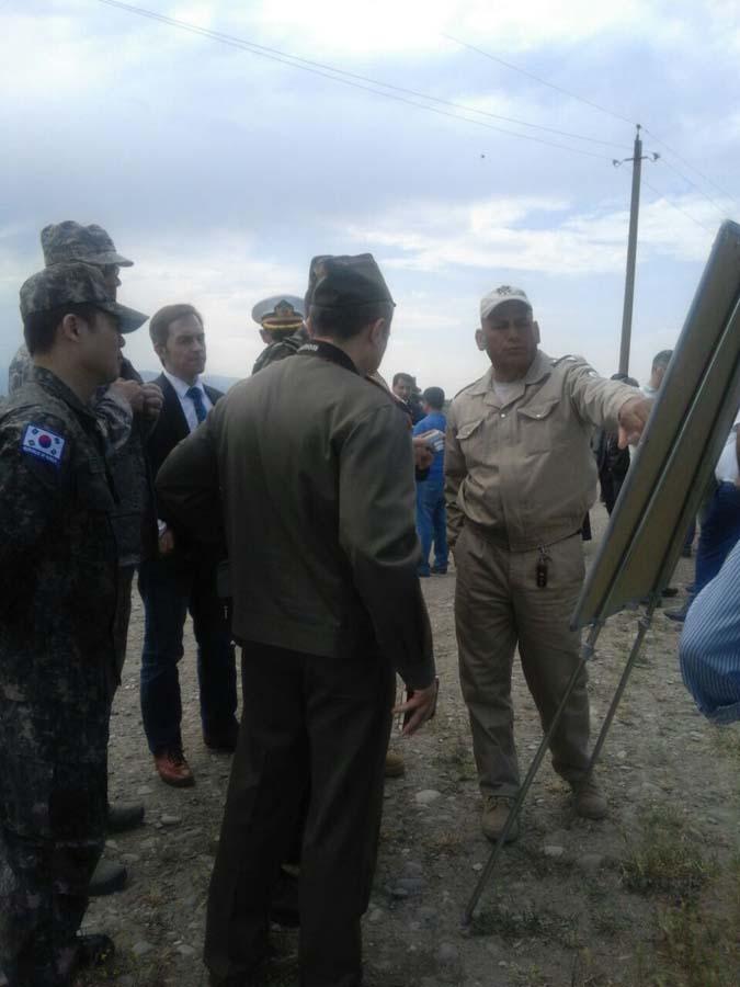 Yabancı ülkelerin askeri ateşeleri Ermenistan'ın yasaklanmış mühimat kullanmasını inceledi (Görüntü)