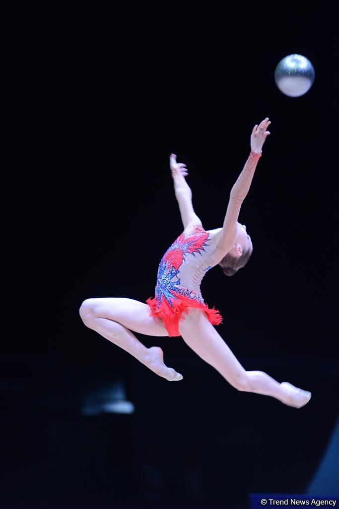 Стартовал второй день соревнований XXIII чемпионата Азербайджана по художественной гимнастике (ФОТО)