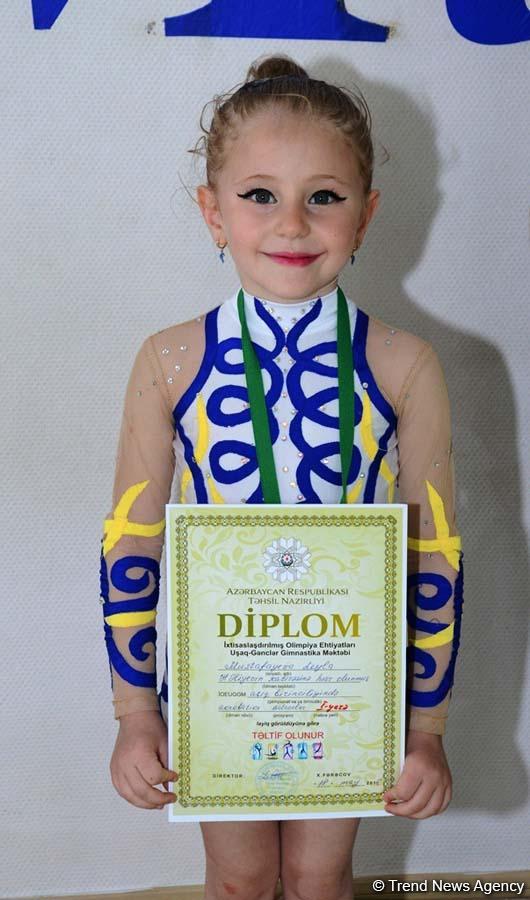 Bakıda akrobatika üzrə açıq birinciliyin qalibləri mükfatlandırılıb (FOTO)