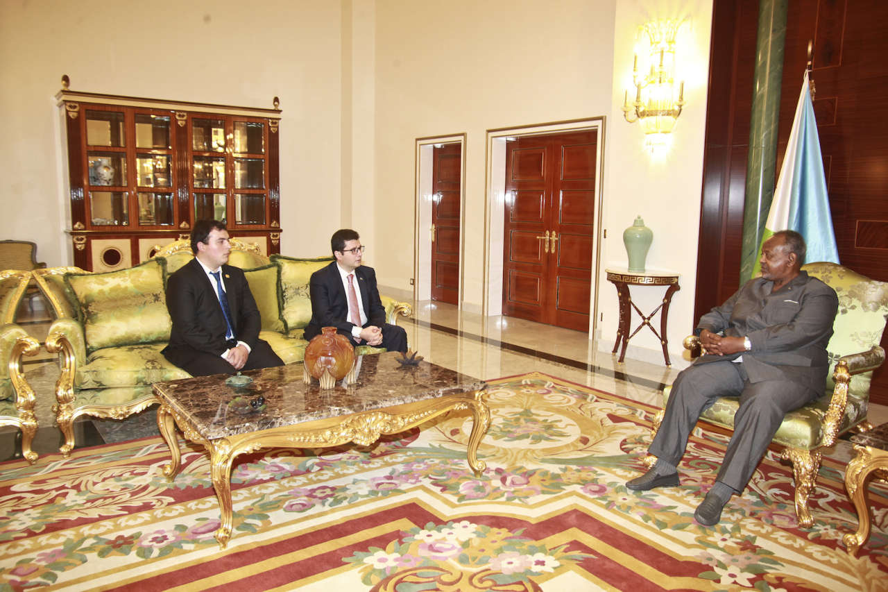 Azerbaijan's ambassador presents credentials to Djibouti's president