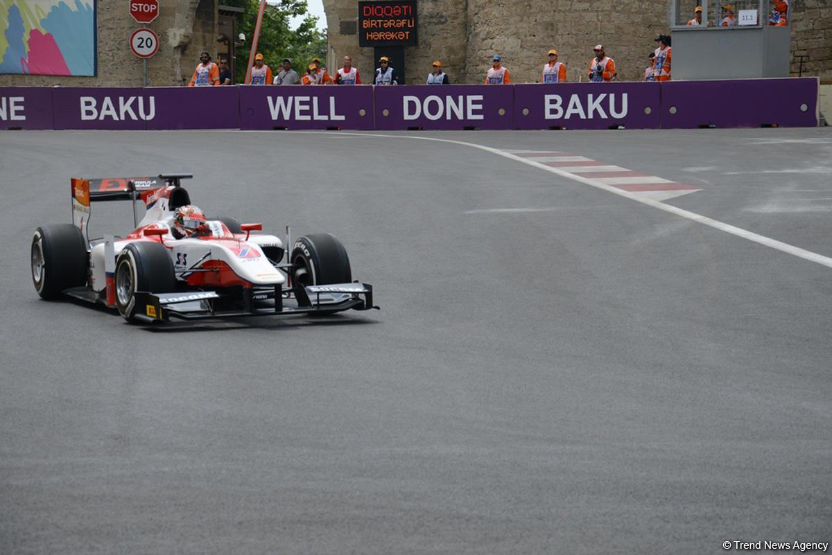 Bakü GP2 yarışmalarına start verildi (Fotoğraf)