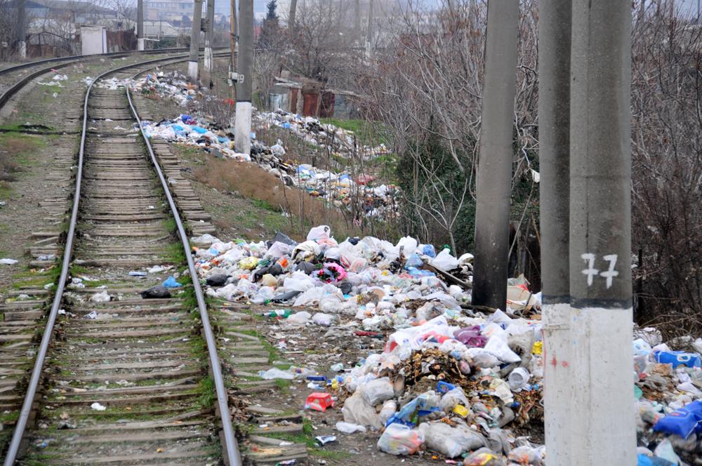 Dəmir yollarının ətrafındakı sanitar vəziyyət - əvvəl və sonra (FOTO)