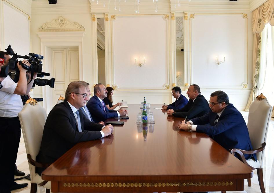 Cumhurbakanı Aliyev Bakan Çavuşoğlu'nu kabul etti