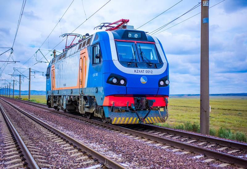 Kazakhstan eyes delivery of passenger locomotives to Azerbaijan (Exclusive)
