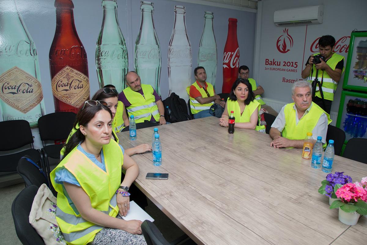 """Azərbaycan jurnalistləri """"Coca-Cola"""" zavodu ilə tanış oldular (FOTO)"""