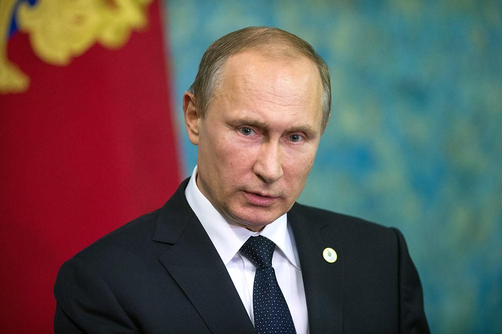 Putin istefaya gedən qubernatorlara mükafat verəcək