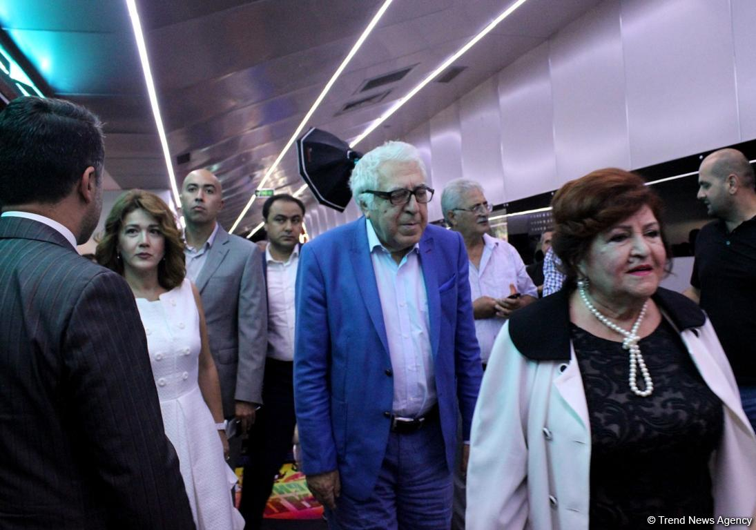 """""""Ölülər XXI əsr"""" komediyasının premyerası keçirilib (FOTO)"""