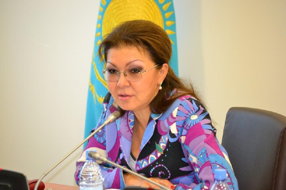 Nazarbayevin qızı prezident seçkilərinin şəffaf keçirilməsinə çağırıb