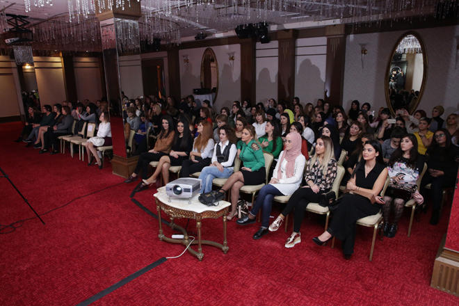 Tanınmış vizajist İlahə Hacıyeva Bakıda Make-Up seminar keçirdi (FOTO)