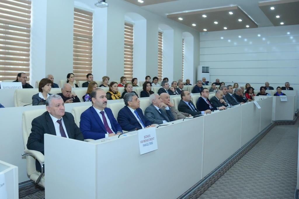 В UNEC обсудили роль научных публикаций в научной деятельности университета    (ФОТО)