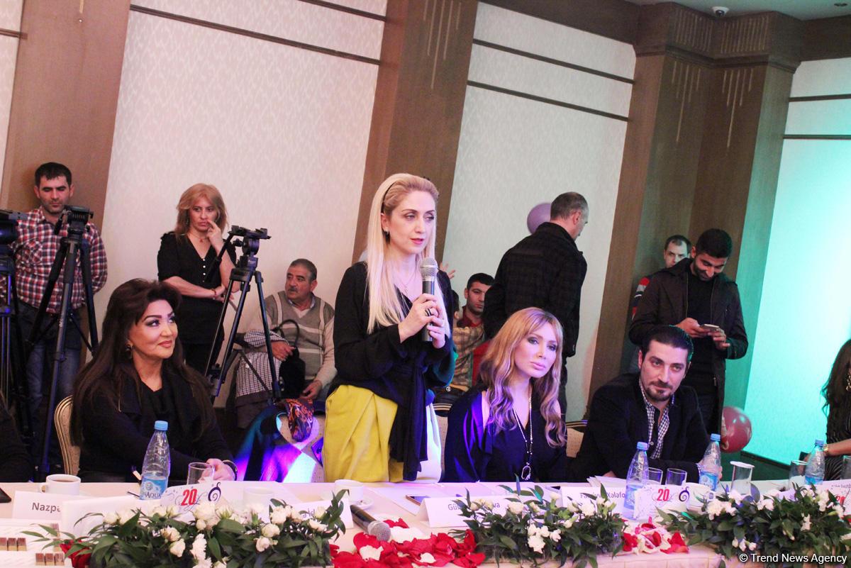 Bakıda Bayraq Gününə həsr olunmuş moda şousu keçirilib (FOTO)