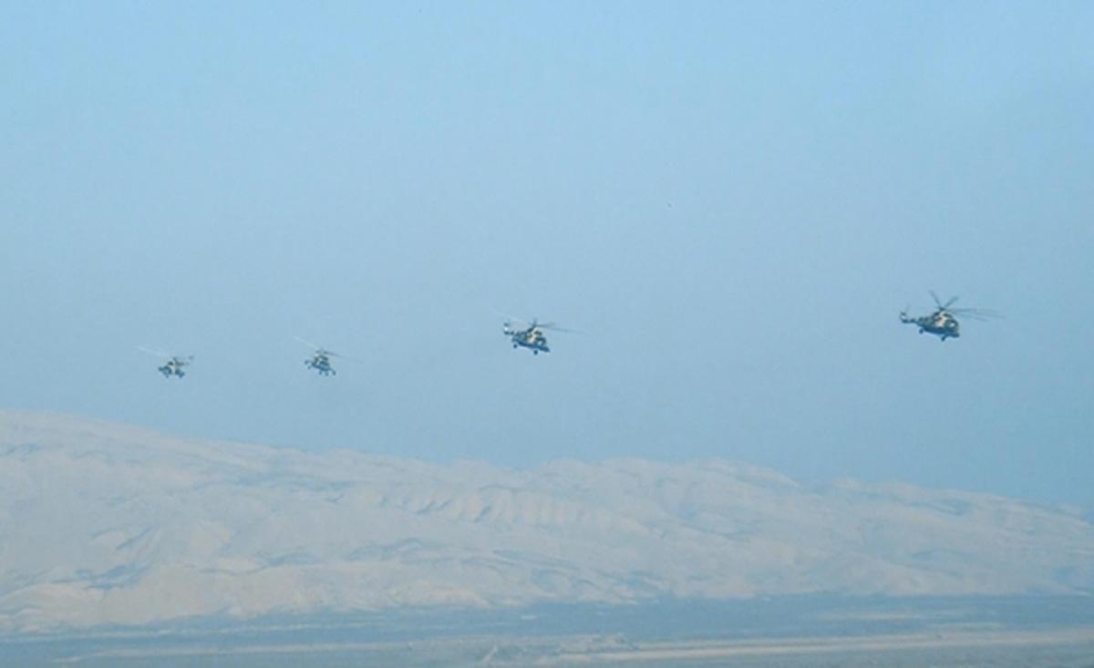 Azerbaycan Silahlı Kuvvetleri kapsamlı tatbikatlara devam ediyor (Fotoğraf, Görüntü)
