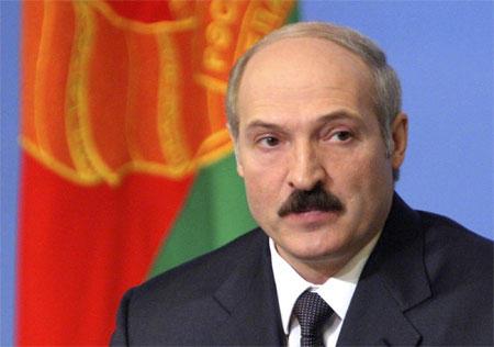 Lukaşenko müharibədən danışdı: Hamıya silah paylanacaq