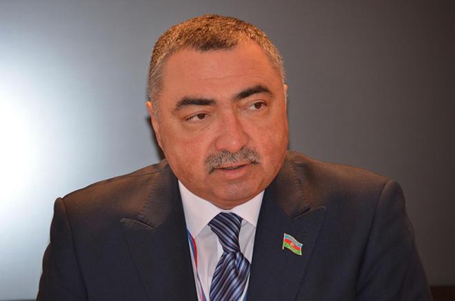 У азербайджанцев большой член фото секс развратной