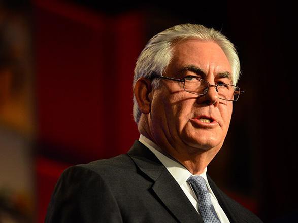 Тиллерсон объявил репортерам, что США исследуют возможности для восстановления переговоров сКНДР