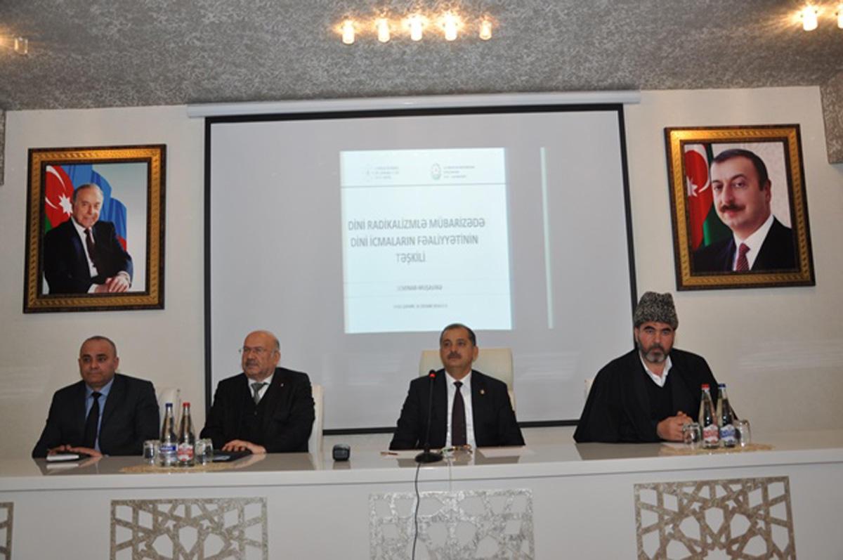 Dini radikalizmlə mübarizədə dini icmaların fəaliyyəti müzakirə olunub (FOTO)