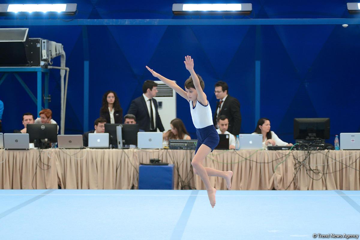 İlin son gimnastika yarışı başladı (FOTO)
