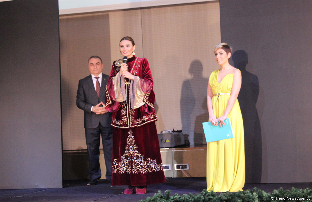 Bakıda türk milli geyiminin möhtəşəm defilesi: ənənələrdən müasirliyədək (FOTO)
