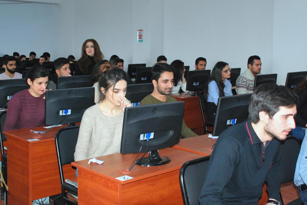 UNEC-də qış imtahan sessiyası başlayıb (FOTO)
