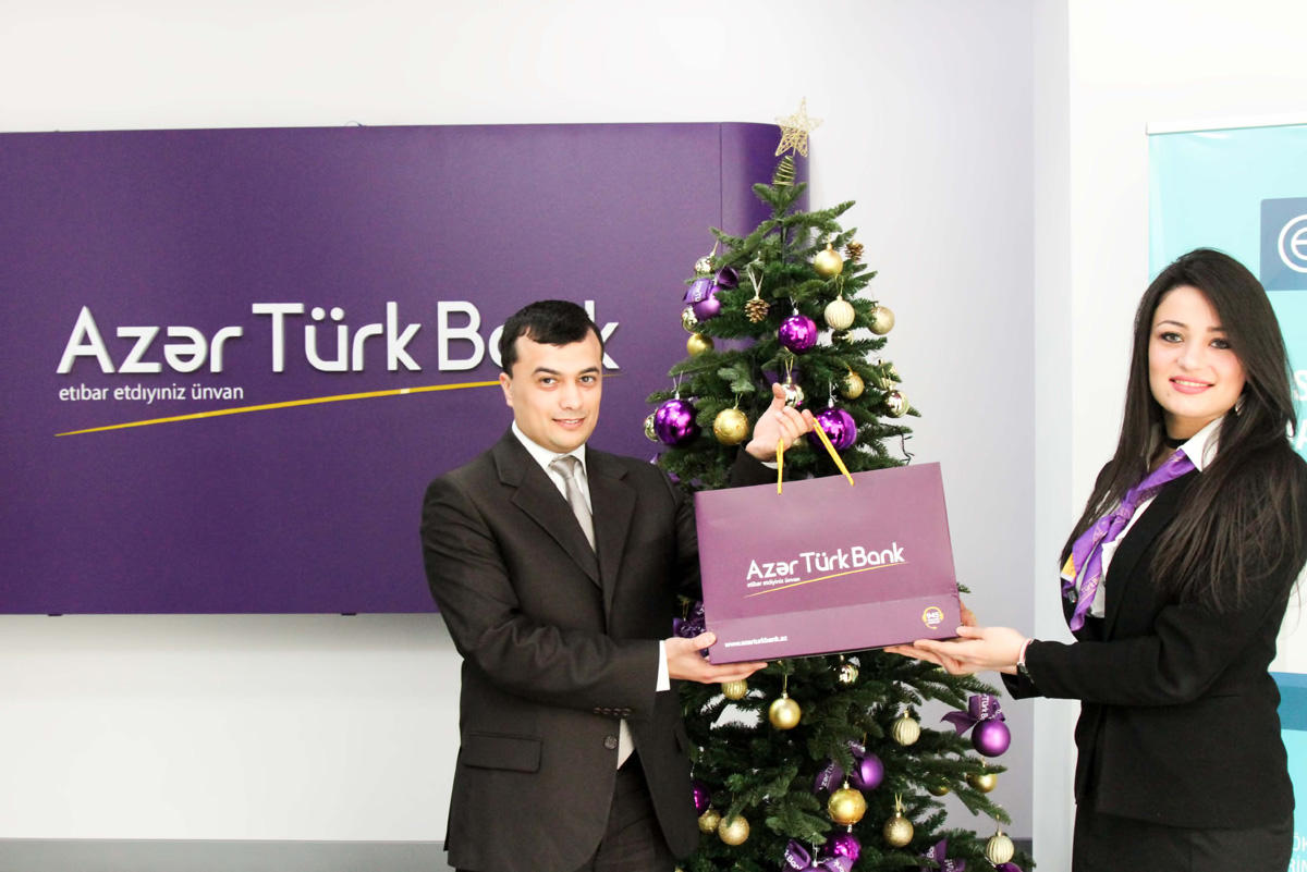 Azer Turk Bank thanks customers (PHOTO)