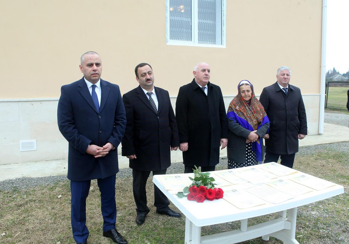 Lənkəranda Qarabağ müharibəsi əlilləri və şəhid ailələrinə ev verilib  (FOTO)