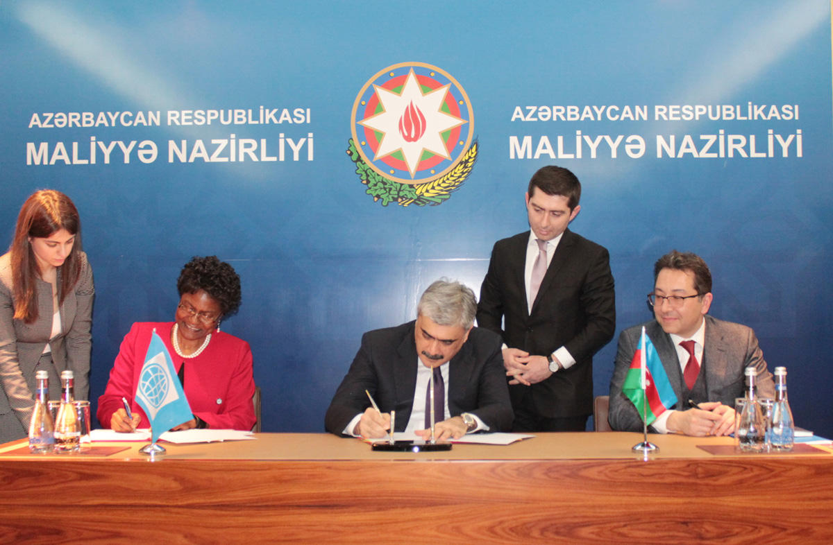 Azerbaijan, WB sign loan agreement on TANAP (PHOTO)