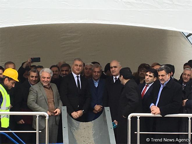 Bakıda yeni əczaçılıq zavodunun təməli qoyuldu (FOTO)